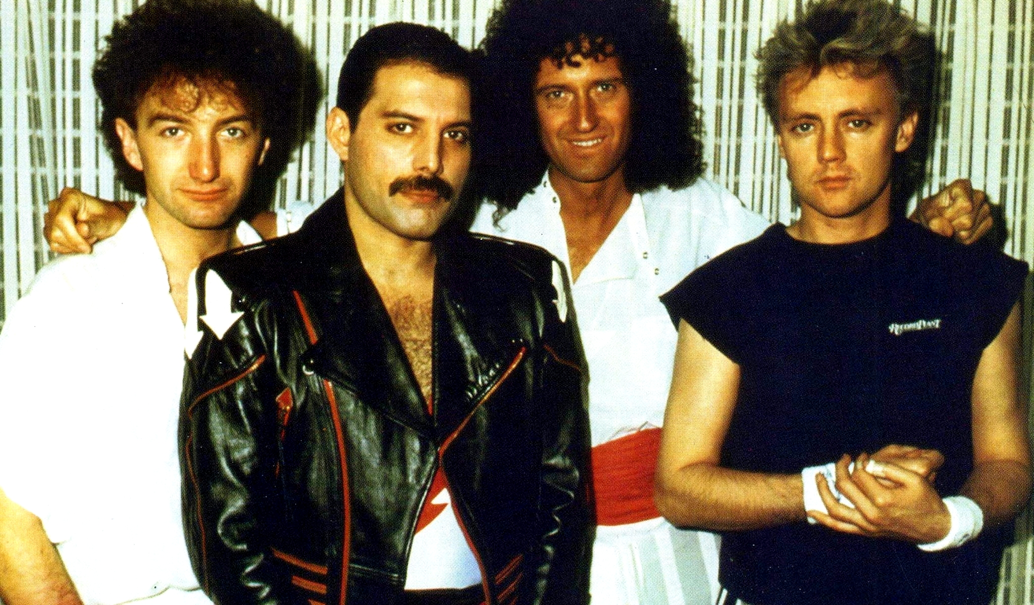 Queen on air lbum com performances ao vivo e entrevistas ser queen stopboris Choice Image