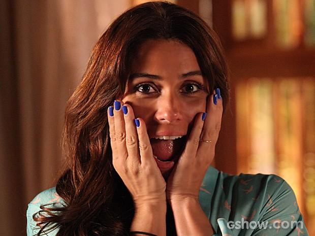 """O esmalte da personagem """"Clara"""", vivido por Giovanna Antonelli em """"Em Família"""" está fazendo o maior sucesso! - Foto: Reprodução/Gshow"""