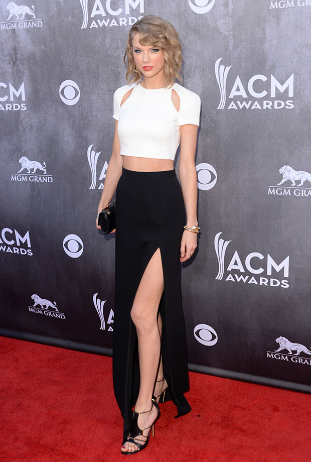 Os top cropped invadiram os red carpets. Na foto, Taylor Swift - Foto: Divulgação