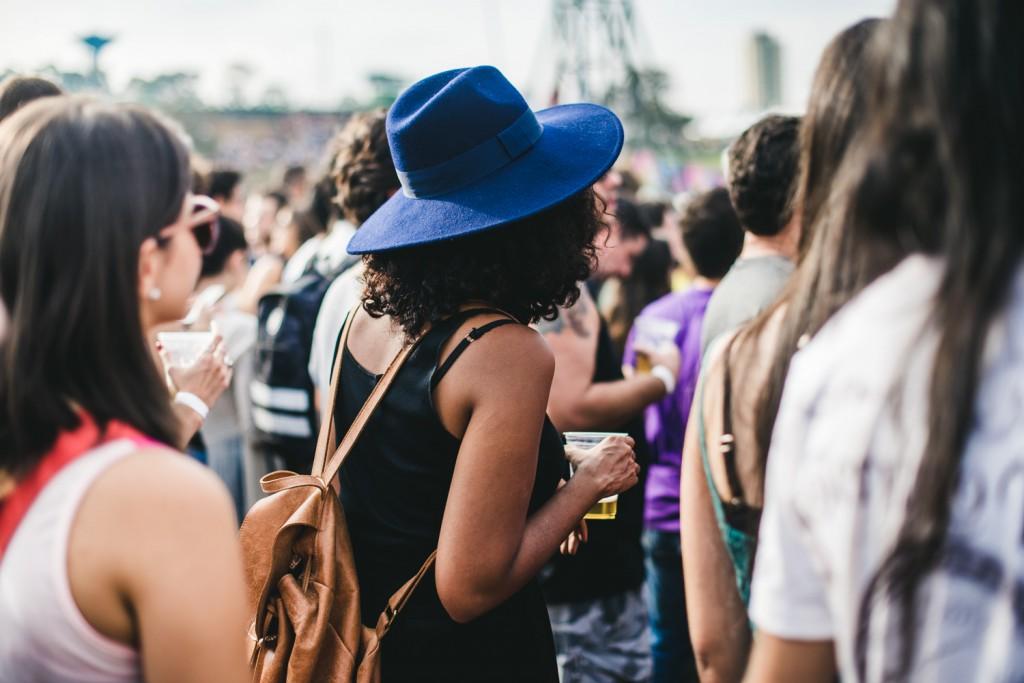 Chapéu é tendência de inverno, e foi hit no lollapalooza 2015 - Foto: Reprodução/Vogue