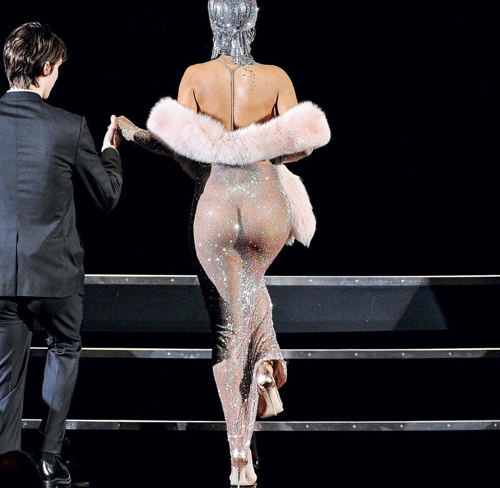 Rihanna bumbum