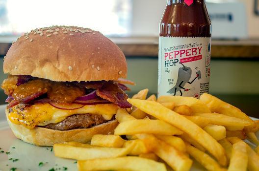 penz_bier_Elvis - King Burger - crédito_Thiago Neutzling
