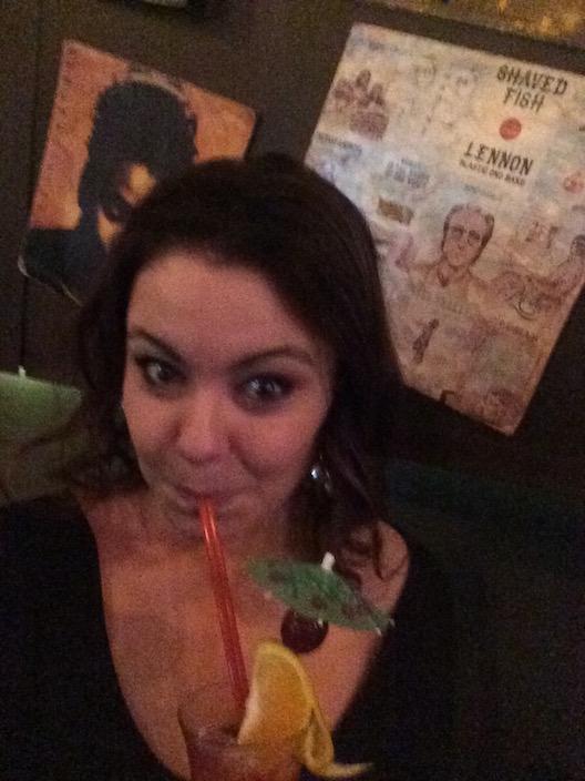 Ok, ok, todas toma o drink da Andressa.