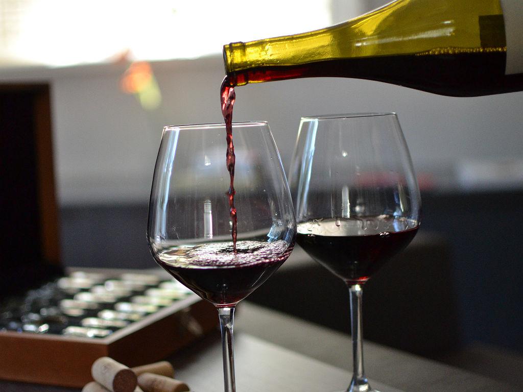 Degustacao de vinhos e chocolates na Casa Destemperados