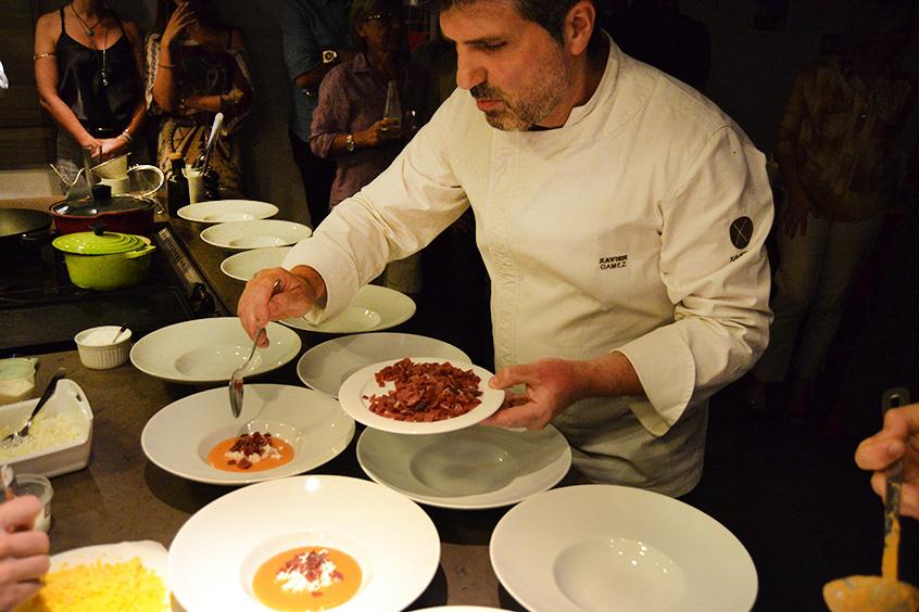Chef Xavier Gamez ensina receitas de frutos do mar