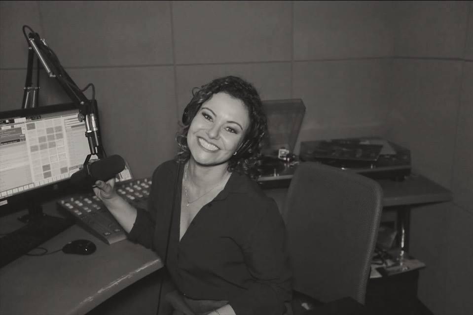 Roteiro da Sara na FM 102.3