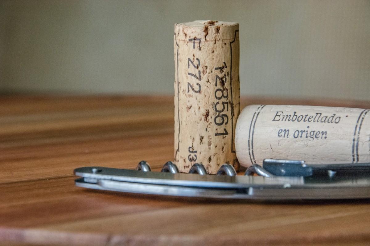 Degustacao de vinhos gauchos nas lojas Sommelier