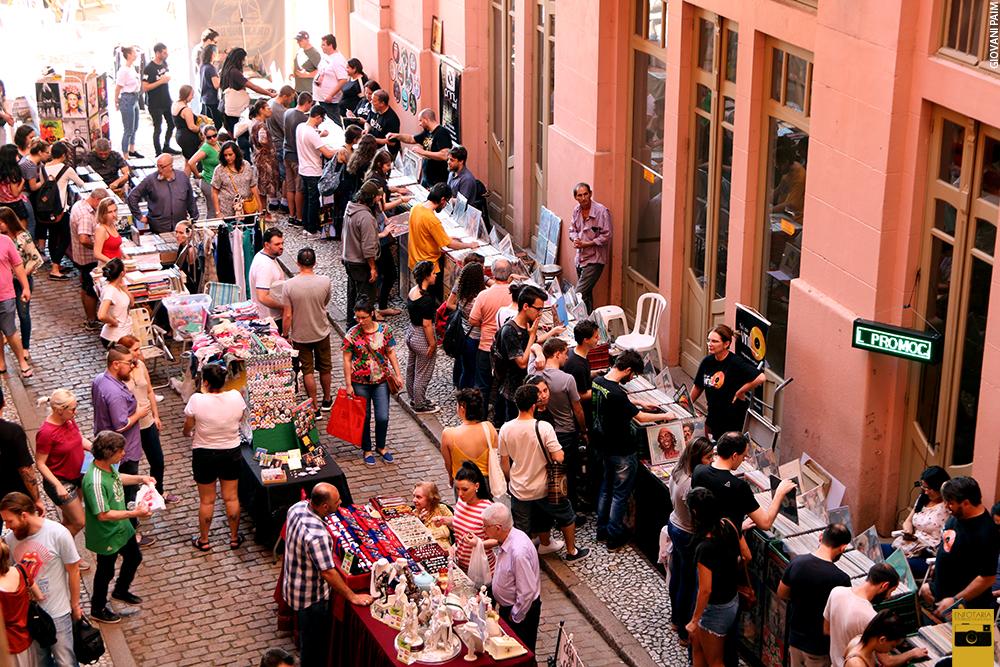 Feira do Vinil na Travessa Cataventos