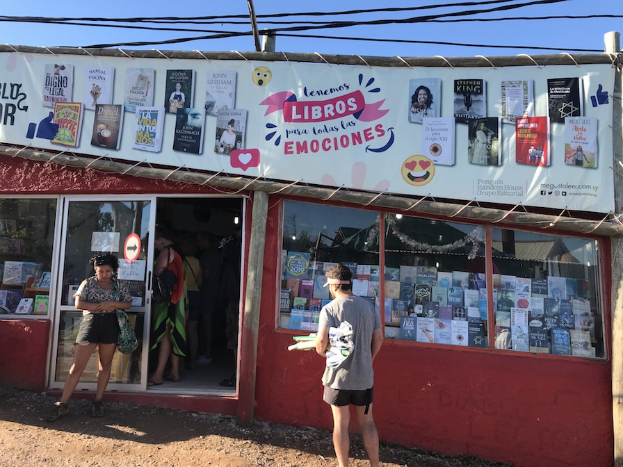 livraria em Punta del Diablo