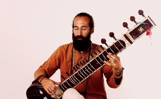 Eduardo Ritter apresenta recital de musica indiana